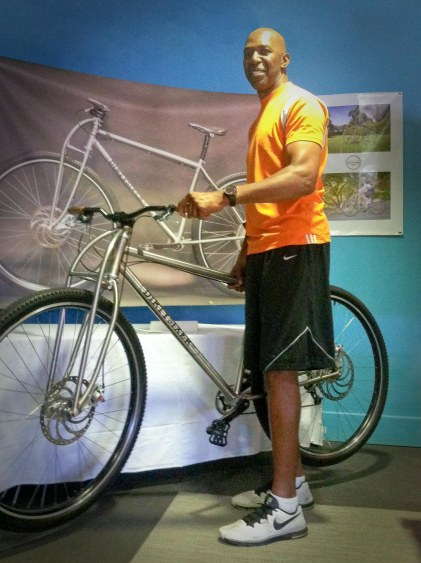 """6'11"""" NBA player Thurl Bailey checking out the Titanium DirtySixer."""