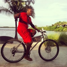 "6'10"" Jerome Moiso (ex NBA player) riding the Titanium DirtySixer."